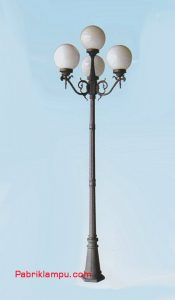 Lampu Hias Taman Model Tangan 3 Tangkai GC 248 A4/3 + 1